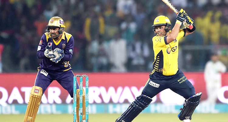 2nd PSL 2017 Final Match Review: Kamran Akmal and Sarfraz Ahmed in action