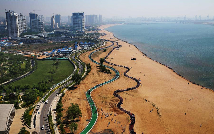Glamorous Qinhuangdao: A Port in North China