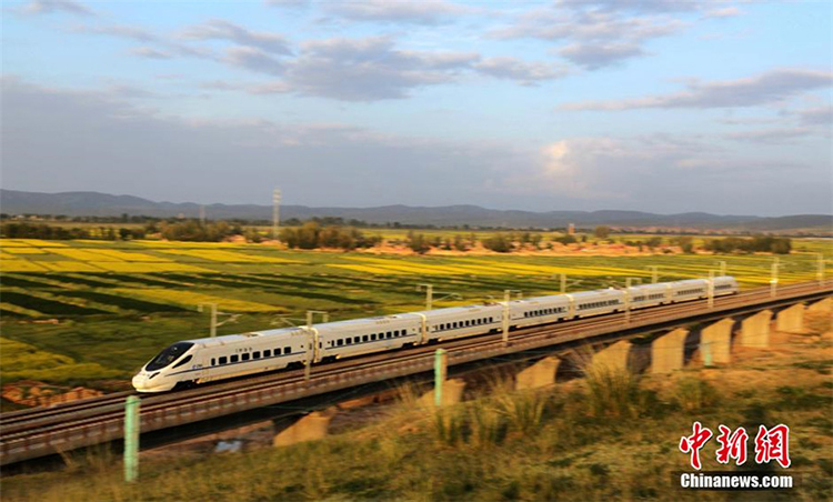 High Speed Rails in Xinjiang, China