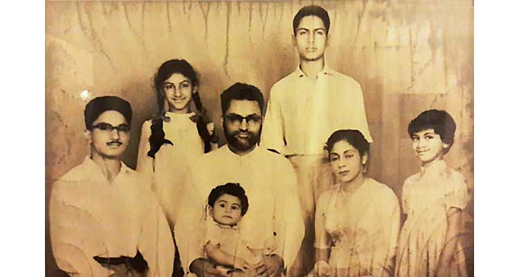Humyra Saiyid: the passing of a cultural icon - (L-R) Omar, Nazli, Jari Ahmed Saiyid (husband), Aamer, Humyra, Dushka and Durdana (baby)