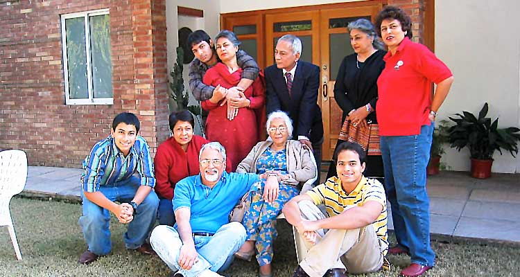 Humyra Saiyid: the passing of a cultural icon - Standing from left: Mustafa, Dushka, Aamer, Nazli, Durdana. Seated from left: Jari, Zeba, Omar, Humyra, Issam