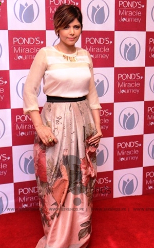 Red Carpet: Pond's Miracle Journey 2015