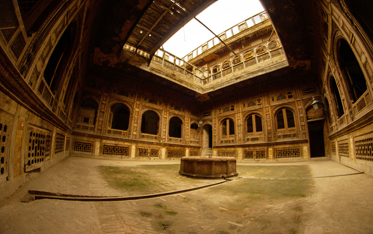 Panaromic view of the courtyard (by Farooq Jamil) - Sethi Mohallah Peshawar