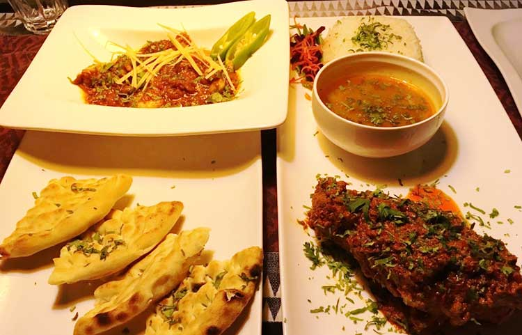 The East End Restaurant Karachi: Mutton Roast with Daal Chawal and Prawn Lal Karahee