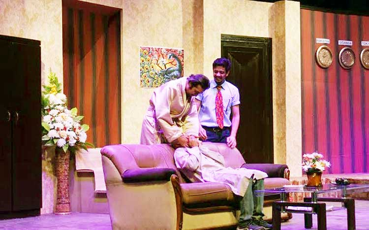 Theatre 'Bye Mishtake' Review: The three gangsters - Firdous (Farhan Alam), Khaadi (Syed M Jamil) and Ahmed