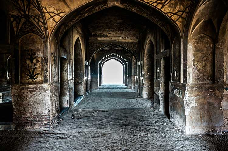 The Tombs of Jahangir and Nur Jahan: Inside Nur Jahan's tomb
