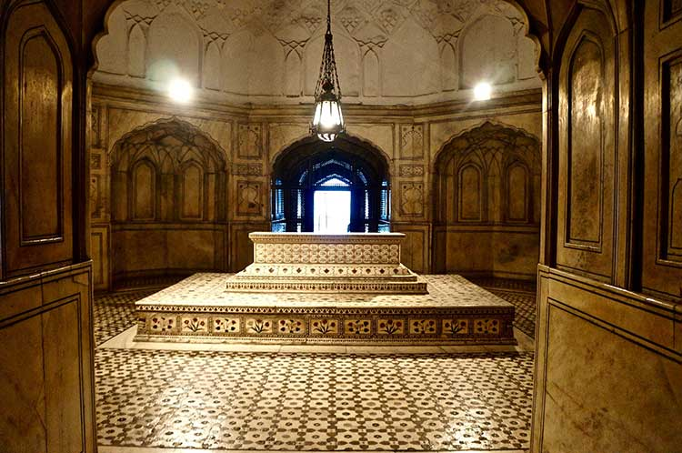 The Tombs of Jahangir and Nur Jahan: Jahangir's grave