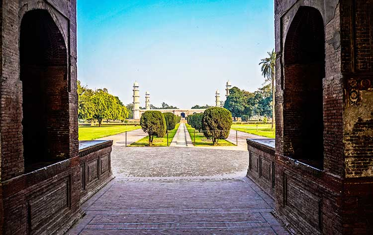 Jahangir's tomb - The Tombs of Jahangir and Nur Jahan