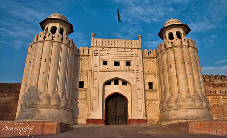 The Lahore Fort (photo by S.M. Rafiq) - Tour Guides of Lahore Fort