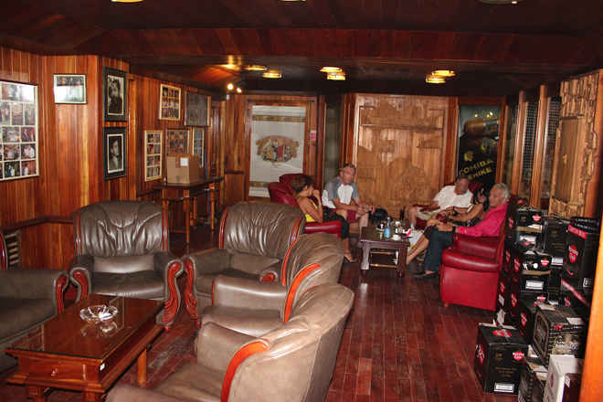 Smoking room at the Partagas outlet