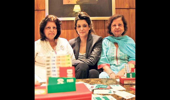 三十年的历史被改写:巴基斯坦的妇女桥牌