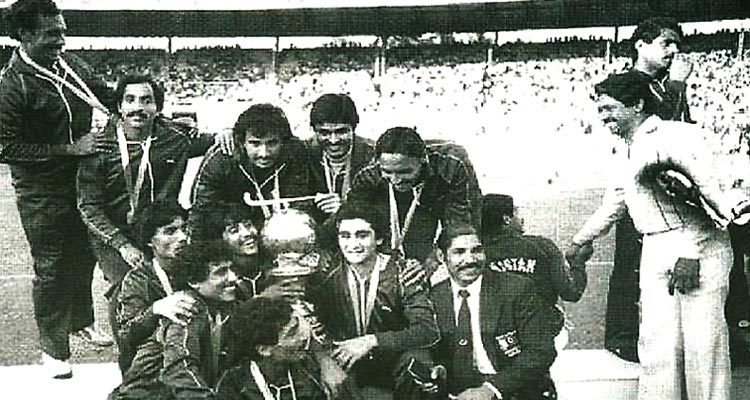70 Years of Sports in Pakistan: Pakistan team after winning the 1982 Hockey World Cup in Bombay