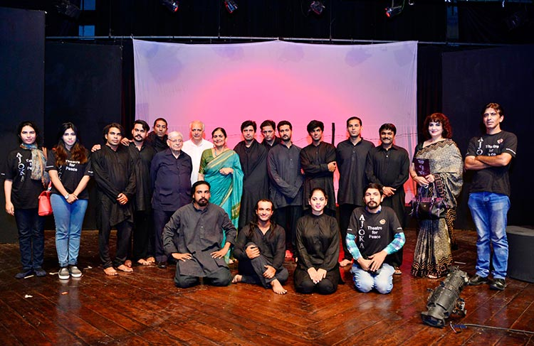 The Ajoka Team with Shahid Nadeem and Madeeha Gauhar - Ajoka Theatre Shehr-e-Afsos