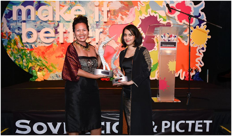 Anida Yoeu Ali and Alia Bilgrami at the Sovereign Asian Art Prize ceremony - Alia Bilgrami wins Asian Art Prize 2015