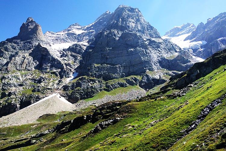 Hari Parbat peak