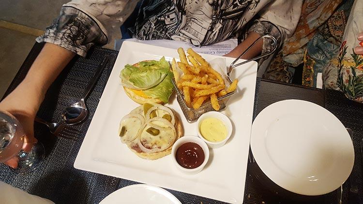 Mexican Burger - Cafe Aylanto Islamabad
