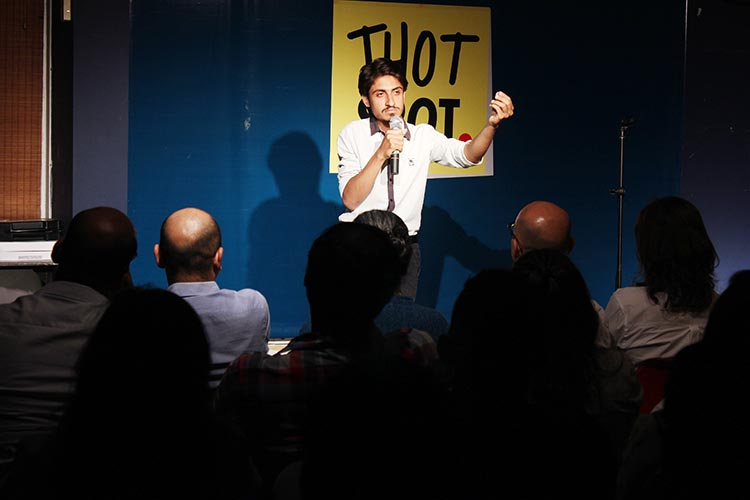 Malik Junaid (JD) - Comedy Show 'Bachay Panch Hi Achay' in Karachi