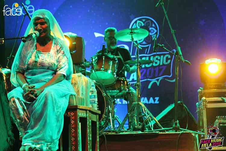 Classical folk singer Mai Dhai performing live at the festival - FACE Music Mela 2017 at PNCA, Islamabad