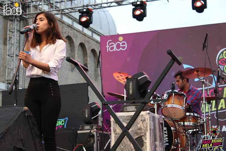 Zoha Zuberi started the Day 2 performances with style - FACE Music Mela 2017 at PNCA, Islamabad