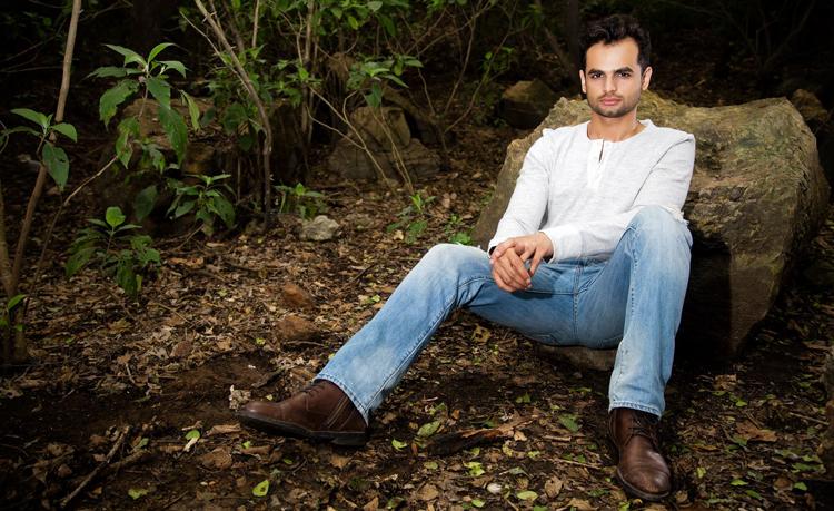 Fashion Blogger Hassan Tariq - Fashion Blogger Hassan Tariq