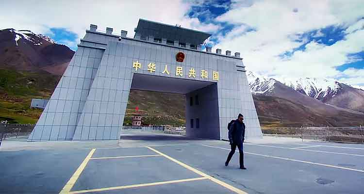 Khunjerab Pass, the Pakistan-China border - Film Chalay Thay Saath Review