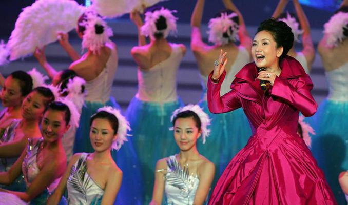 民歌演唱家彭丽媛:中国第一夫人
