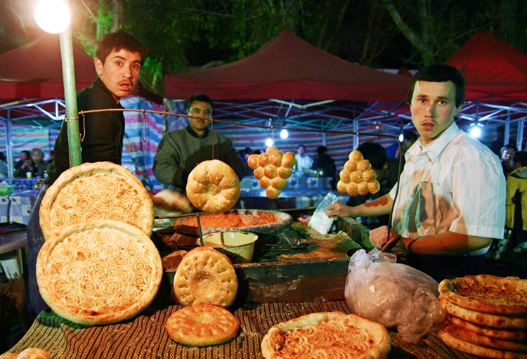 Naan being sold in Urumqi