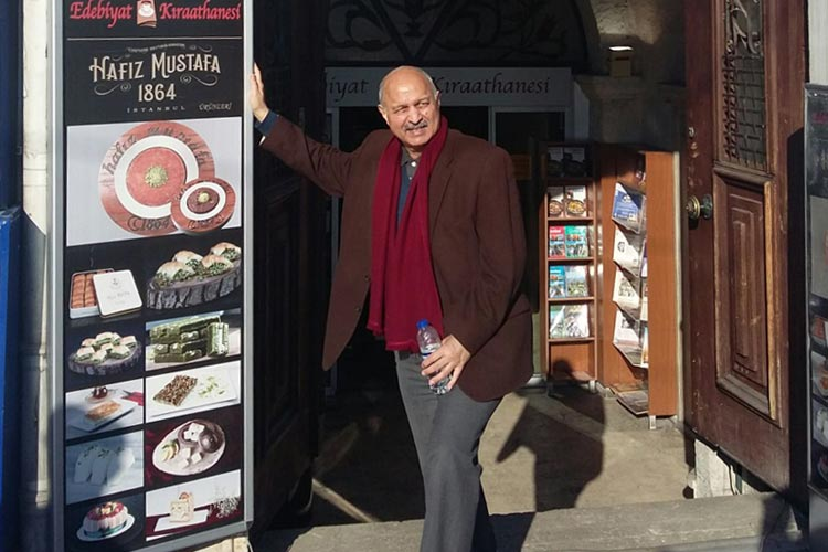 The author at Hafiz Mustafa coffee shop