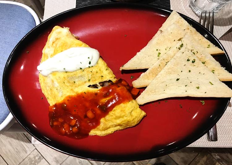 Chicken Fajita Omelette - Jade Cafe by ChinaTown, Islamabad