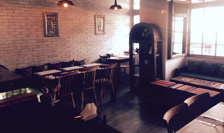 The 'Khoka Khola' interior - Khoka Khola Restaurant Islamabad