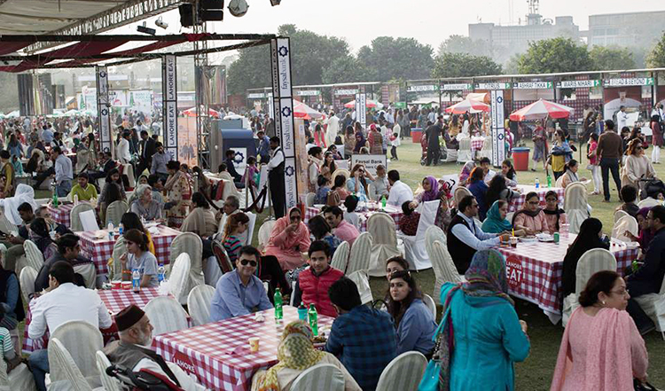 The Lahore Eat Festival had a phenomenal turnout (photo by Mino NMV) - Lahore Eat and Lahore Food Bazaar