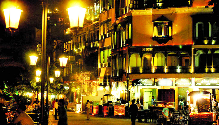 Late night at the Lahore Food Street - Lahore Food Street