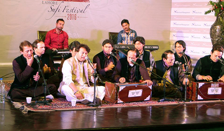 'Mehfil-e-Wajd' featuring Santo Qawwal - Lahore Sufi Festival 2016 at Alhamara Arts Council