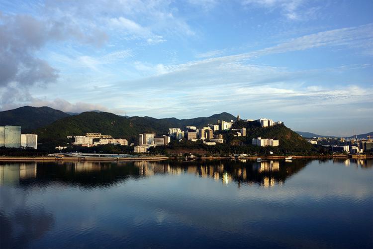 香港院校的现代化建筑:凝固的文化风景