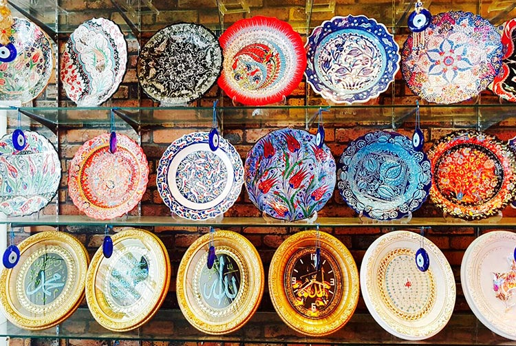 Turkish hanging plates on sale at Arab Street - Multi-Ethnic Singapore