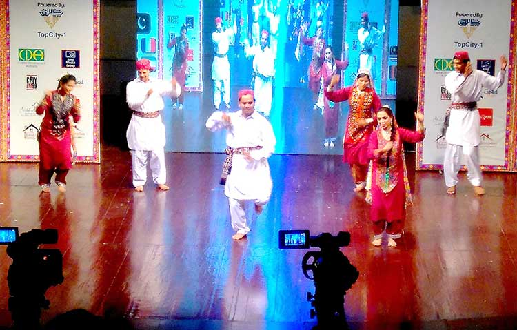 Sindhi dance performance on 'Hay Jamalo' by Lok Virsa - Multicultural Exhibition at PNCA, Islamabad