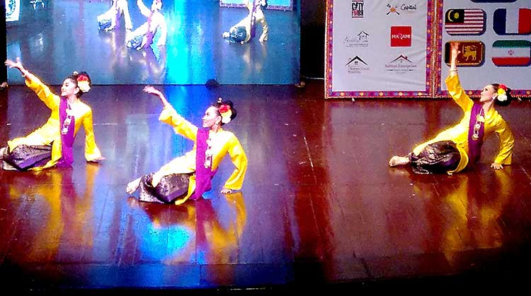 The event featured a marathon of performances by Malaysian groups - Multicultural Exhibition at PNCA, Islamabad