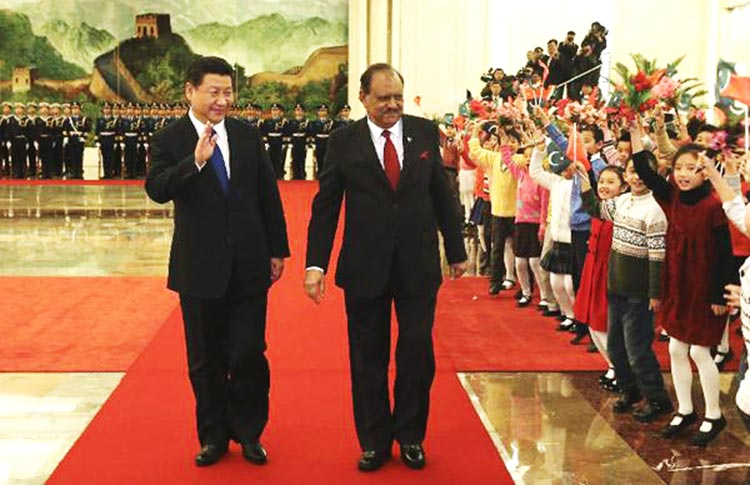 Chinese President Xi Jinping holds a welcoming ceremony for visiting Pakistani President Mamnoon Hussain