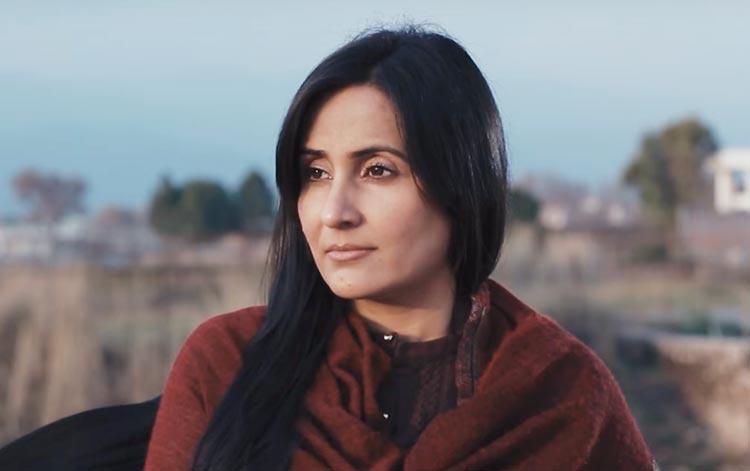Sabreen Hisbani as Jiya