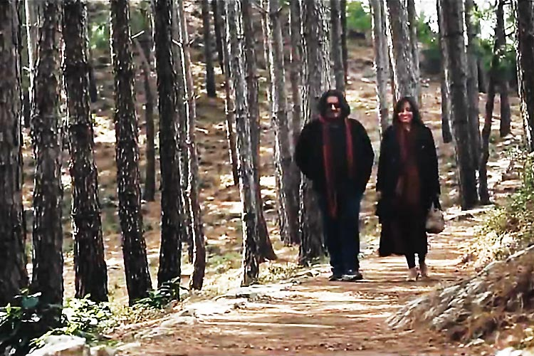 Rehan Sheikh as Azad and Sabreen Hisbani as Jiya - Pakistani Film Azad Review