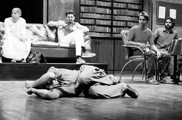 Mulzim Ya Mujrim - A Theatrical Production - Play Mulzim Ya Mujrim at Karachi Art Council