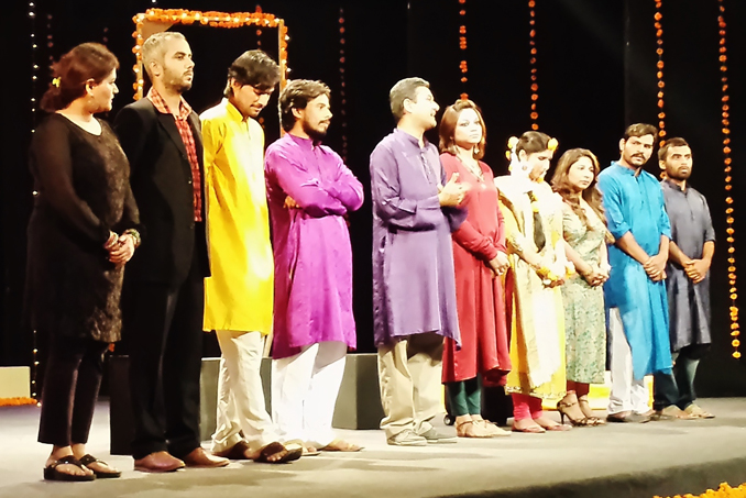 Cast of the play 'Tum Kaun' - Play 'Tum Kaun' at NAPA International Theatre Festival 2015 Karachi