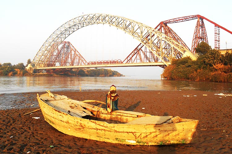 A view of Lansdowne Bridge and Ayub Bridge from Sateen Jo Aastan