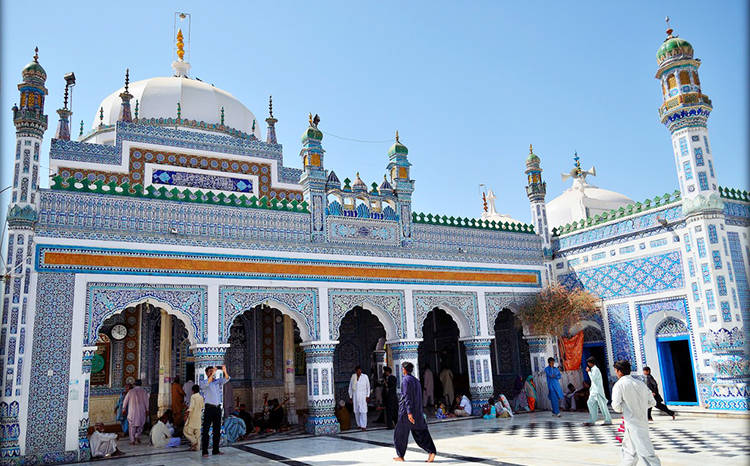 Shrine of Shah Abdul Latif Bhittai (photo: Ahsan Riaz Chaudhary, Flickr) - Sindhi Sufi Poet Shah Abdul Latif Bhittai