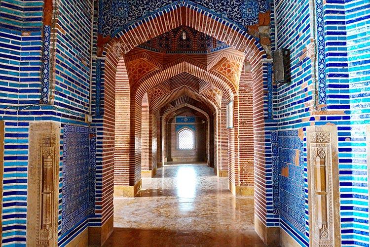 Shah Jahan Mosque, Thatta: The mesmerzing symmetrical archways