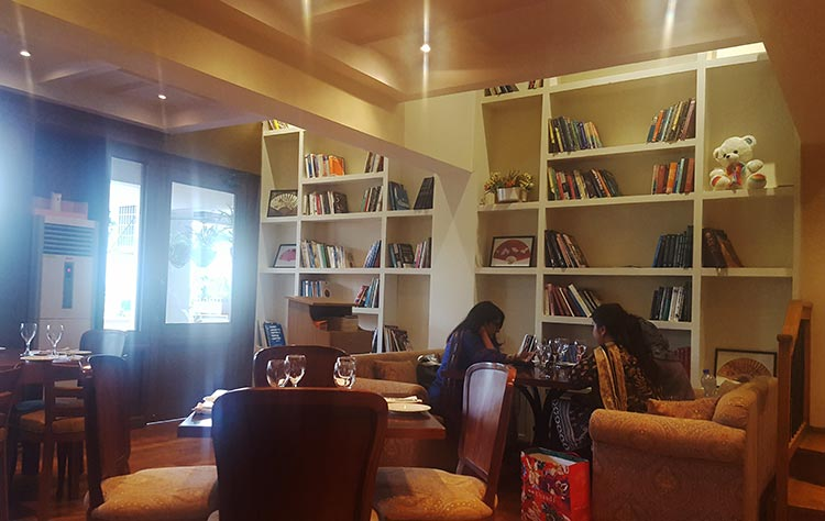 The bookcase - The Chinese Cafe, Jinnah Super, Islamabad