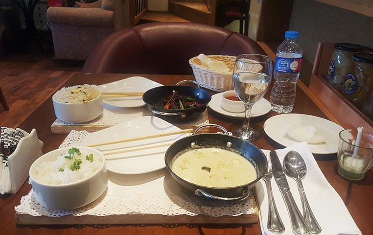 Thai Green Curry and Beef Chili Dry - The Chinese Cafe, Jinnah Super, Islamabad