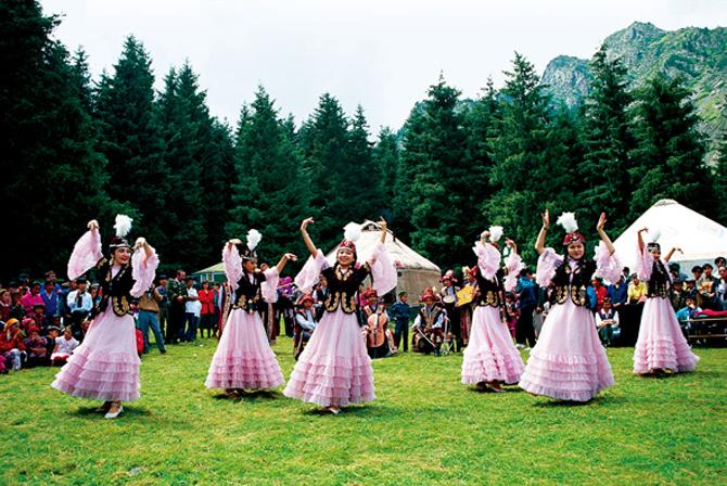 Kazakhs of Xinjiang, China - Kazakhs of Xinjiang