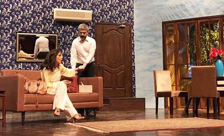 Yawar tries to charm Mehreen (Rasti Farooq) - Dil-e-Nadaan at Alhamra Arts Council