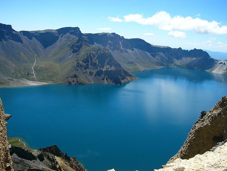 Heavenly Lake - Top Quality Travel Routes in Xinjiang